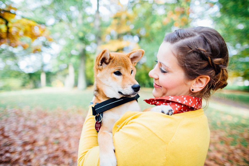 Kuscheln mit dem Hund